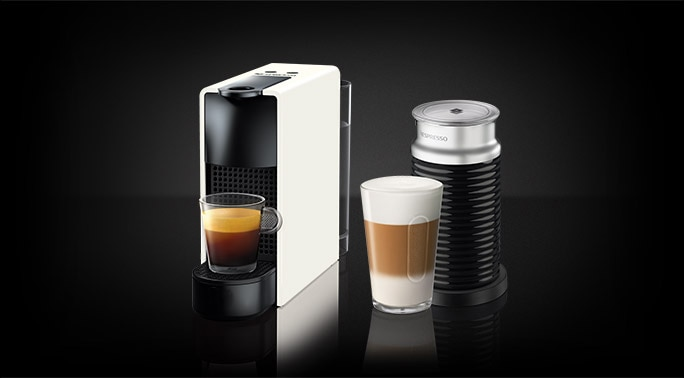 ensemble essenza mini blanc avec aeroccino machine nespresso canada. Black Bedroom Furniture Sets. Home Design Ideas