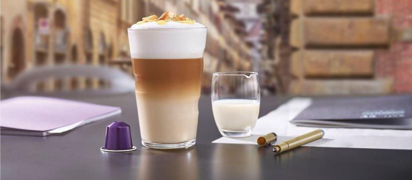 Cantuccini Pinenuts Honey Latte Macchiato